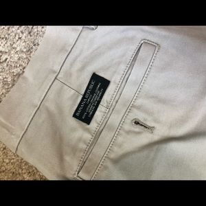 Banana Republic Aiden Chinos - EUC!!